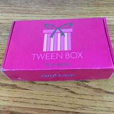 Embrace, empower, Excel! Tween Box delivers fun, cute, and age-appropriate jewelry, accessories, beauty products and craft items selected just for tween girls.  Check out my review of the September 2016 box!  - https://hellosubscription.com/2016/09/tween-box-september-2016-subscription-box-review/ #TweenBox #subscriptionbox