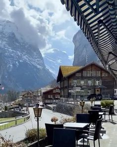 The valley of 72 waterfalls 💦 Lauterbrunnen, Switzerland. Beautiful Places To Travel, Wonderful Places, Cool Places To Visit, Beautiful Hotels, Vacation Trips, Vacation Spots, Nature Photography, Travel Photography, Mobile Photography