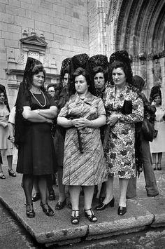 "Christina Garcia Rodero, Spain, Castellon ""ladies of the Virgin"""