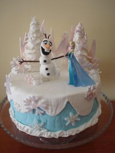 Elsa from Frozen - Cake by Nice Cakes