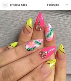 Glamorous Nail Design Ideas so that you Flaunt your Nails with Confidence Glamorous Nail Design Ideas so that you Flaunt your Nails with ConfidenceHave you been thinking that what are the most glamorous nail design Perfect Nails, Gorgeous Nails, Pretty Nails, Fancy Nails, My Nails, Glow Nails, Spring Nails, Summer Nails, Summer Vacation Nails
