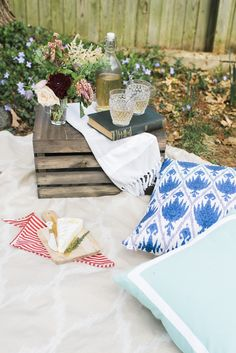 A French-Inspired Picnic | theglitterguide.com