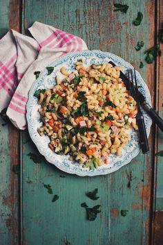 Salade de macaroni au jambon - Le Coup de Grâce C'est Bon, Fried Rice, Fries, Ethnic Recipes, Food, Recipes, Meals, Nasi Goreng, Yemek