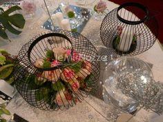Decorazione floreale per il ricevimento di nozze