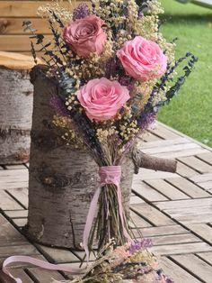 ramo preservado Glass Vase, Floral Wreath, Wreaths, Decor, Home Interiors, Floral Bouquets, Festivus, Wedding Bouquets, Lavender
