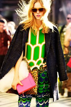 Forget the season reason, #winter 2012 is all about #prints if you are ready to push the edge! What do you say? Colour me pretty of course! #wintercoat #pants #purse #fashion #streetlook