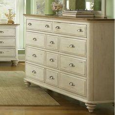 Beachcrest Home Bridgeview 11 Drawer Standard Dresser