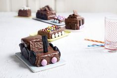 Sjokoladekaketog Baking, Desserts, Cakes, Food, Tailgate Desserts, Deserts, Cake Makers, Bakken, Kuchen