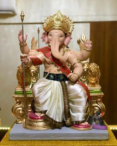 Shri Ganesh Images, Ganesh Chaturthi Images, Happy Ganesh Chaturthi, Ganesha Pictures, Clay Ganesha, Ganesha Art, Bahubali Movie, Ganesh Utsav, Ganesh Idol