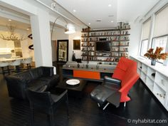 Perfect #contemporary #apartment #share for a modern-day bibliophile. Located on #MadisonAvenue in Manhattan at the heart of the fast-paced world of advertising, this sleek 2 bedroom can't help but inspire greatness.