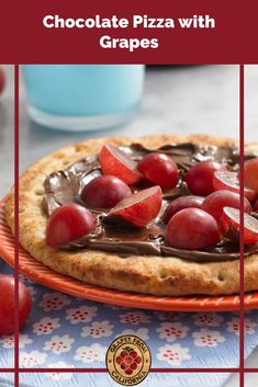Need a new dessert recipe or snack idea? Here's how to make a chocolate hazelnut pizza featuring grapes from California. #chocolatepizza #recipe #dessert #howtomake #recipedesserts #treats #chocolatehazelnutpizza #chocolatehazelnut #snack #snackideas #grapes #graperecipes Chocolate Pizza, Chocolate Hazelnut, New Dessert Recipe, Dessert Recipes, Desserts, Easy Snacks, Yummy Snacks, Party Food To Make, Peanut Butter Dip