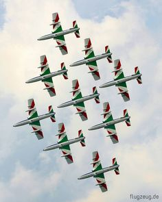 Frecce Tricolori - Italian Air Force Aerobatic Display Team with Aermacchi MB-339 #airforce