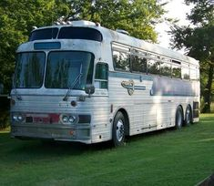Recreational Vehicles Bus Conversions 1966 Silver Eagle 01 Located In Ramona, Oklahoma : RV Clearinghouse Bus Conversion For Sale, Class B Rv, Rv Bus, Buses For Sale, Luxury Bus, Bus Life, Silver Eagles, Bus Driver, Busses