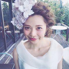 うちの嫁ちゃん☺︎ 顔周り大きめ造花でも有りですよね✨