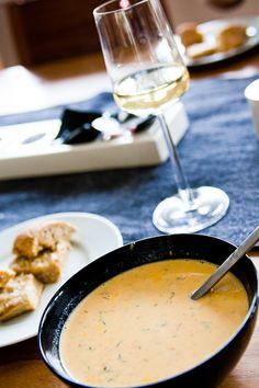 Krämig, sagolik kräftsoppa - 56kilo.se - En mat & Inspirationsblogg Swedish Recipes, New Recipes, Soup Recipes, Snack Recipes, Favorite Recipes, Snacks, Good Food, Yummy Food, Tasty