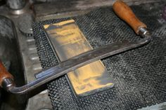 Sharpening a drawknife