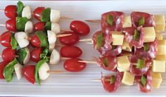 Recipe ideas for a successful Dinatory Aperitif - Diet and Nutrition Tapas, Diet Salad Recipes, Healthy Recipes, Diet And Nutrition, Paleo Diet, Skewer Appetizers, Tomate Mozzarella, Dieta Paleo, Snacks Für Party