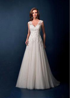CHARMING TULLE A-LINE V-NECK NECKLINE NATURAL WAISTLINE WEDDING DRESS IVORY WHITE LACE BRIDAL GOWN HANDMADE CUSTOM