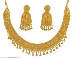 Indian Gold Necklace Set - - Gold Necklace Earring set, exclusively handcrafted with typical Indian art work. Gold Wedding Jewelry, Rose Gold Jewelry, Bridal Jewelry, Gold Jewellery, Handmade Jewellery, Swarovski Jewelry, Bridal Necklace, Earrings Handmade, Gold Bangles