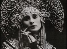 Anna Pavlova from the Ballet Russes, 1900s. Incredible costumes designed by Stravinsky, Picasso, Bakst, Chanel and more.