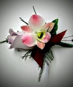Boutonnieres and corsages custom made for your special event #winfieldflowers #wearableflowers