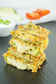 Zucchini Cordon Bleu – Vegetarisches oder klassisches Low Carb Rezept This cordon bleu is one of the best low carb zucchini slimming recipes. Here you will find the complete guide to the healthy diet dish, which can also be vegetarian. Easy Healthy Recipes, Healthy Dinner Recipes, Low Carb Recipes, Vegetarian Recipes, Easy Meals, Zucchini Cordon Bleu, Dieta Atkins, Menu Dieta, Slimming Recipes