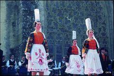Fête des Brodeuses à Pont-l'Abbé Folk Costume, Costumes, Exhibition, France, Traditional Dresses, Brittany, Celtic, Photos, Embroidery