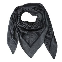 Lala Berlin Triangle Classic Tørklæde  Farve: Lubecca  Mål: 162 x 115 x 115  Kvalitet: 100% Cashmere Big Fashion, Womens Fashion, Fashion Trends, Lala Berlin, School Outfits, Hair Ties, New Trends, Alexander Mcqueen Scarf, Cashmere
