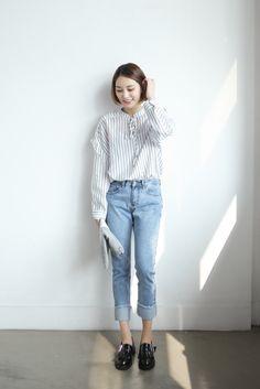 Striped ribbon blouse korean fashion, ulzzang fashion и kore Korean Fashion Winter, Korean Fashion Summer, Korean Fashion Casual, Korean Street Fashion, Korean Outfits, Fashion Moda, Denim Fashion, Look Fashion, Fashion Outfits