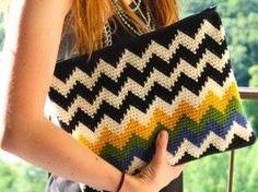 Women's Bag - Ravelry: The Chevron Clutch pattern by Sara Dudek Crochet Simple, Love Crochet, Diy Crochet, Crochet Hooks, Tapestry Crochet Patterns, Crochet Purse Patterns, Knitting Patterns, Crochet Handbags, Crochet Purses