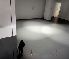 New York, empty exhibit space