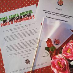 """O #BurgKing propõe que no #DiaDaPaz - 21 de Setembro 2015 -, os 2 restaurantes deixem de lado as suas diferenças se unam pra criar o """"McWhopper"""": uma combinação dos ingredientes mais saborosos de seus mais tradicionais e famosos sanduíches. O desafio está lançado! O Burger King está hasteando uma bandeira branca para o McDonald's pedindo um dia de trégua na tradicional rivalidade das redes. #McWhopperProposal #InstaBlogs #ChegouNOtesteiEvoce #ChegouNOtesteiEvoce08 #Blogger #BlogBMM…"""