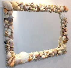I think I have enough shells and stones to do this! Seashell Art, Seashell Crafts, Beach Crafts, Diy Home Crafts, Diy Arts And Crafts, Mirror Crafts, Diy Mirror, Shell Decorations, Hanging Crystals