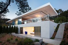 Located in Larkspur, California, USA, the Turner Residence was designed in 2013 by Jensen Architects. This new residential design was created with a funda Design Villa Moderne, Modern Villa Design, Architecture Résidentielle, Amazing Architecture, California Architecture, Architecture Wallpaper, Conception Villa, Beautiful Buildings, Bungalow