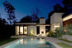 Красивый экстерьер современного жилого дома