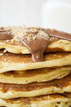 Τηγανίτες (Pancakes) - Πώς να φτιάξετε το βασικό μείγμα (και συνταγή) - Myblissfood.grMyblissfood.gr Dessert Recipes, Desserts, Greek Recipes, Crepes, Pancakes, Muffins, Brunch, Easy Meals, Food And Drink
