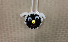 Another super cute lighted ornament for your collection. This BAAAAAAAAD boy will add cheer to whatever room you add it to. Crochet Birds, Crochet Crafts, Crochet Projects, Free Crochet, Diy Crafts, Christmas Items, Christmas Crafts, Christmas Ornaments, Xmas