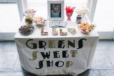 Sweetshop for a 1920's  inspired wedding    Photography by http://www.nigeledge.com/
