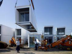 吉村氏の設計で2009年に開業したベイサイドマリーナホテル横浜のコテージ型の客室施工写真(写真:吉村靖孝)