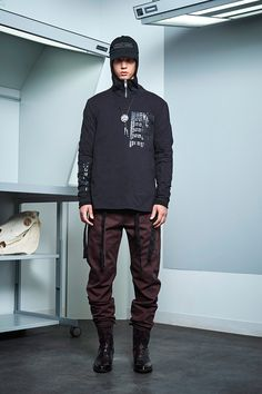 Siki Im presented its Fall/Winter 2017 collection during New York Fashion Week Men's. Winter 2017, Fall Winter, Autumn, Sustainable Looks, Cool Mustaches, Urban Fashion, Mens Fashion, Student Fashion, Winter Collection