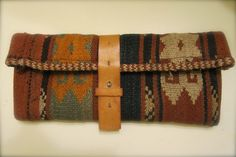 Prudence and Austere: DIY; Carpet Clutch. Will try this with some hooking