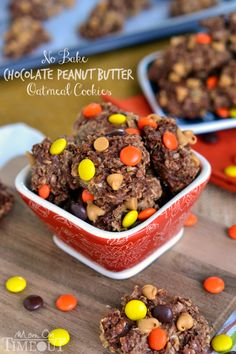 Easy No Bake Chocolate Peanut Butter Oatmeal Cookies | MomOnTimeout.com Peanut Butter Desserts, Peanut Butter Oatmeal, Cookie Desserts, Chocolate Peanut Butter, Chocolate Recipes, Easy Desserts, Delicious Desserts, Dessert Recipes, Chocolate Chips