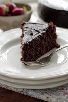 grain-free-chocolate-cake with-dairy-free-fudge-icing