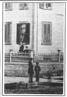 Detail from Photo that shows Abraham Lincoln at home in Springfield, ILL, standing inside fence with his sons Willie & Tad looking out from behind the corner post. Abraham Lincoln, Lincoln Life, Mary Todd Lincoln, Strange History, Us History, British History, American History, Ancient History, History Pics