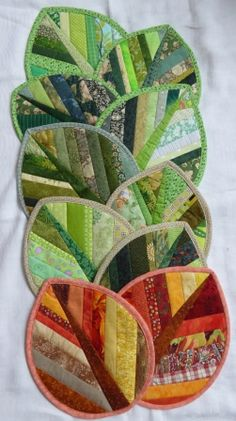 ideas sewing table ideas hot pads for 2019 Diy Sewing Projects, Quilting Projects, Sewing Crafts, Sewing Ideas, Potholder Patterns, Quilt Patterns, Apron Patterns, Small Quilts, Mini Quilts
