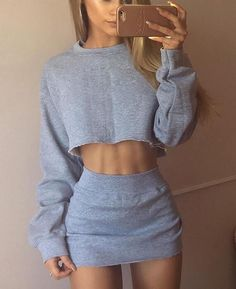 Chilling Cropped Sweatshirt N Skirt Set High Fashion Outfits, Trend Fashion, Crop Top Outfits, Summer Outfits, Cute Outfits, Skirt Fashion, Fashion Goth, Umgestaltete Shirts, Short Beach Dresses