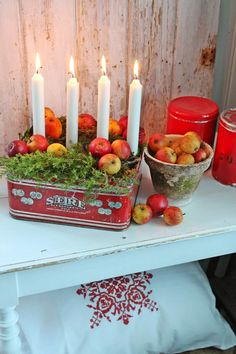 Make your own advent wreath - classic and new ideas for Christmas, Advent wreath make fruit themselves. Swedish Christmas, Merry Little Christmas, Noel Christmas, Scandinavian Christmas, Country Christmas, Winter Christmas, All Things Christmas, Vintage Christmas, Christmas Wreaths