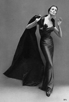 Carmen Dell'Orefice by Richard Avedon.