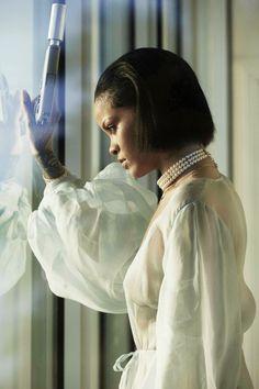 "Rihanna – ""Needed Me"" Music Video Topless Photoshoot Best Of Rihanna, Rihanna Mode, Rihanna Riri, Rihanna Style, Rihanna Daily, Rihanna Makeup, Divas, Date Night Dresses, Bad Gal"