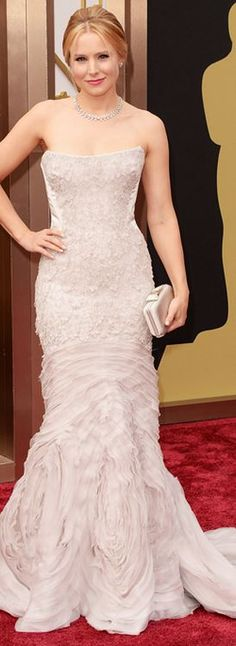 Kristen Bell: Dress – Roberto Cavalli  Jewelry – Piaget  Purse – Salvatore Ferragamo  Shoes – Brian Atwood